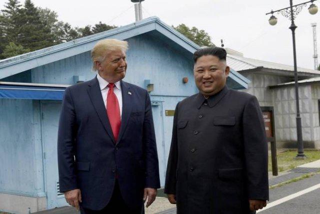 Трамп сообщил, что получил от Ким Чен Ына письмо с предложением провести встречу