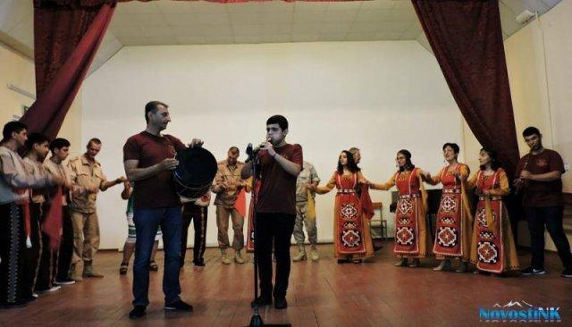 «Смоленские узоры» и «Ван» на 102 российской базе в Гюмри