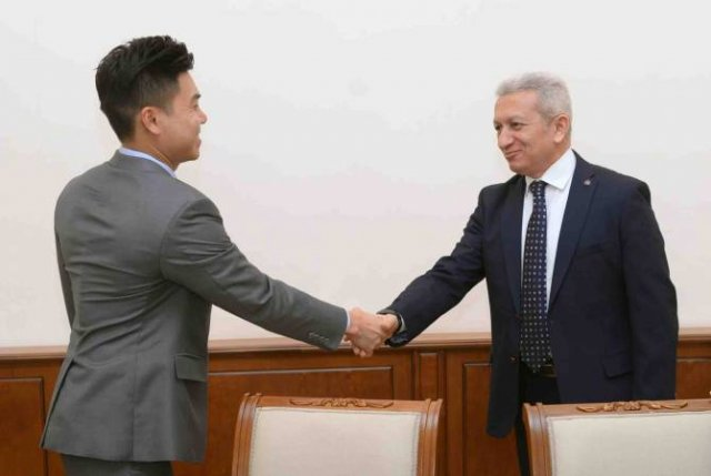 """Атом Джанджугазян принял представителей Международной рейтинговой организации """"Moody's"""""""