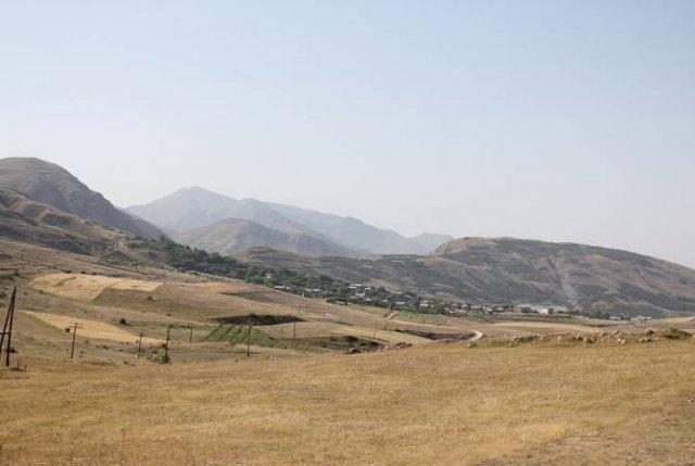 Ситуация на границе у сел Хачик и Арени относительно спокойная: заместитель министра обороны