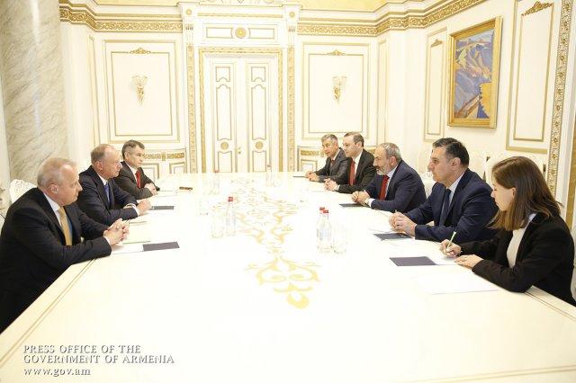 Патрушев обсудил c Пашиняном вопросы безопасности и помощь Сирии
