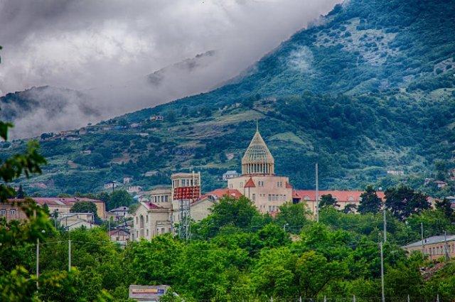Ситуация в Степанакерте проясняется: перспектива реального выбора