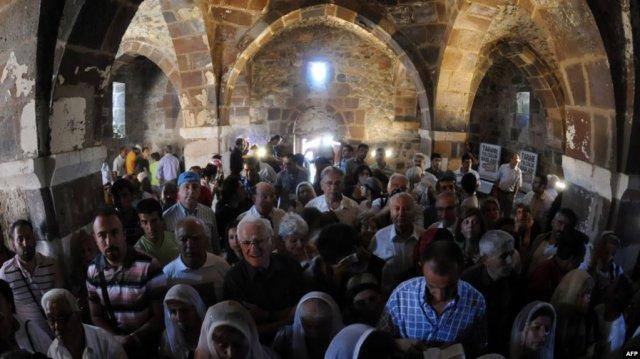 8 сентября в церкви Сурб Хач на острове Ахтамар будет отслужена литургия