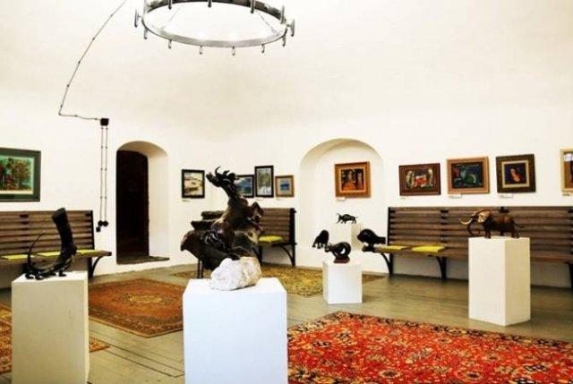 В историческом особняке Лазарянов открылся арт-салон Культурного центра посольства РА в РФ