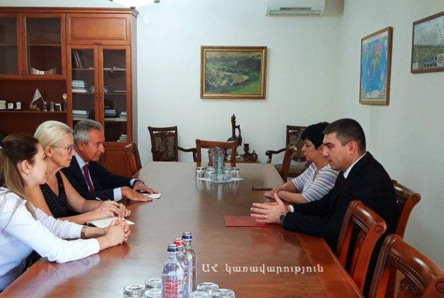 Государственный министр Арцаха принял делегацию Американского университета Армении