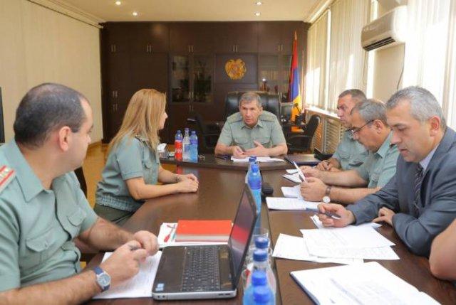 Начальник Генштаба ВС Армении Оник Гаспарян принял граждан, обратившихся по разным вопросам