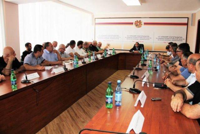 В областной администрации Котайка состоялось внеочередное заседание Совета области