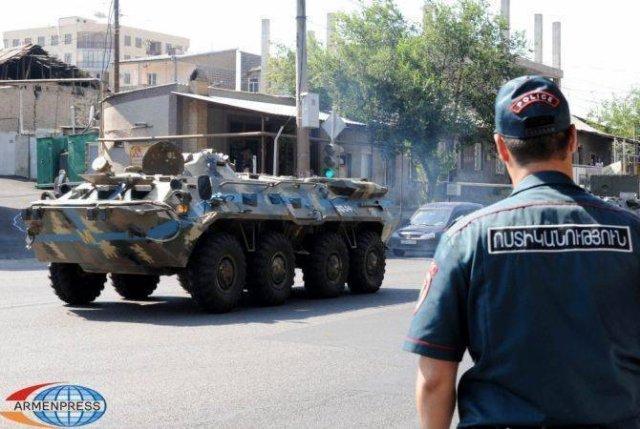 Суд отклонил ходатайство об освобождении Смбата Барсегяна, обвиняемого по делу о захвате полка ППС