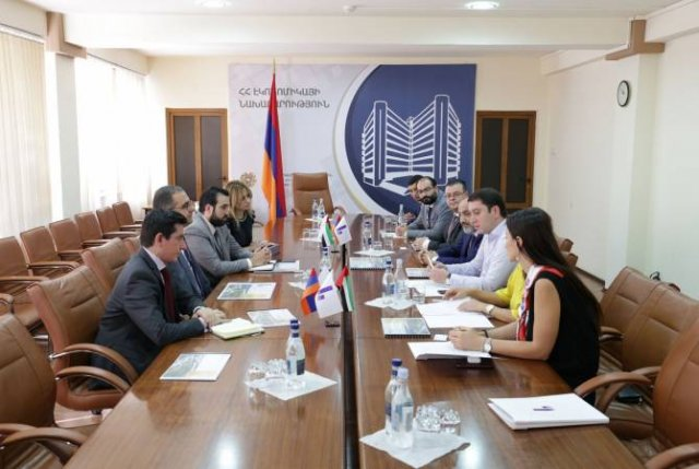 Инвесторы представили Тиграну Хачатряну концепцию небоскреба, строящегося в Ереване
