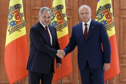 Шойгу предложил Молдавии уничтожить боевые арсеналы в Приднестровье