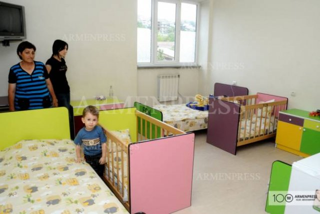 """Переоснащены 2 детских отделения инфекционной клинической больницы """"Норк"""""""
