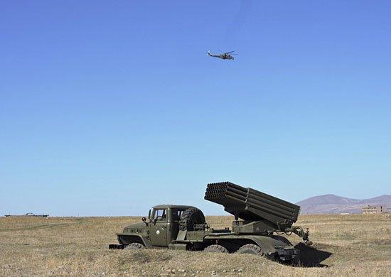 Артподразделения российской военной базы в Армении учились уничтожать тактический десант условного противника в горах