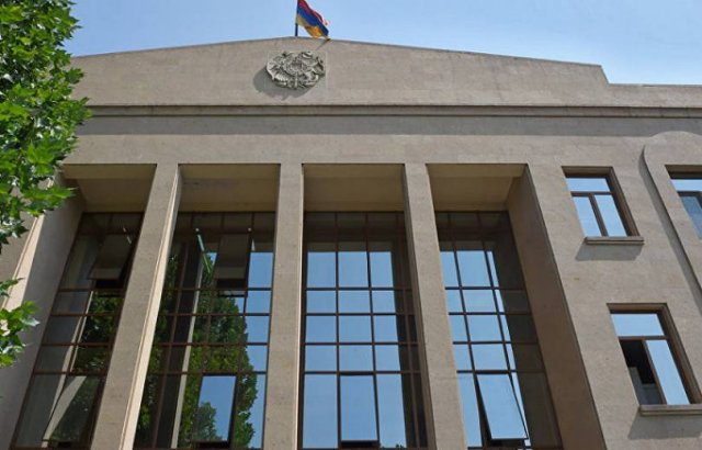 В суде Шенгавита 43-летняя осужденная пыталась покончить с собой