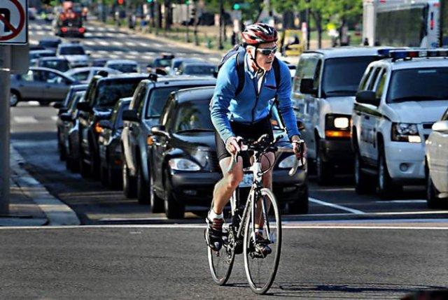 Законопроект об управлении велосипедом и другими транспортными средствами принят в первом чтении