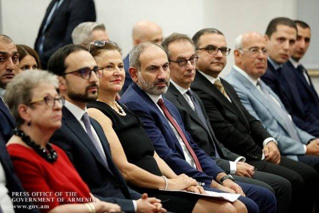 Никол Пашинян присутствовал на церемонии открытия частного акционерного инвестиционного фонда