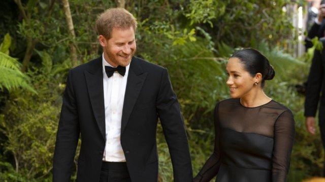Меган Маркл и принц Гарри отправились в Рим на свадьбу друзей