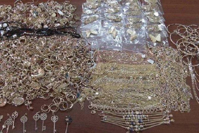 Гражданин Армении задержан в аэропорту Тбилиси за контрабанду золота
