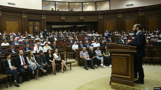 7 октября в парламенте состоятся слушания на тему нарушения прав собственности на Северном проспекте и Каскаде