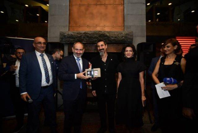 Серж Танкян представил кофе своего бренда «Gavat»
