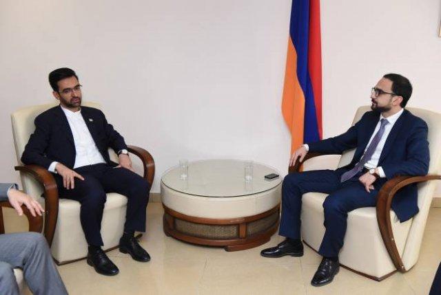 Вице-премьер Тигран Авинян встретился с министром связи и информационных технологий Ирана