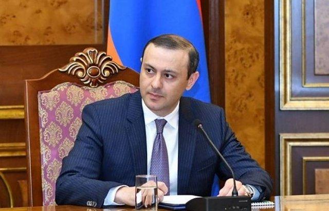 Виталий Баласанян ведет себя как хулиган. Армен Григорян