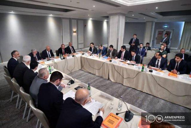 Премьер-министр констатирует беспрецедентную ситуацию с сокращением тени в Армении