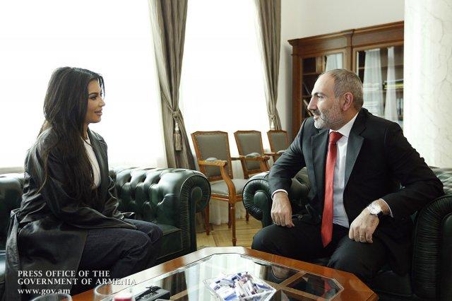 Вижу внимание к женщинам и поощрение женщин, занимающихся бизнесом. Ким Кардашян