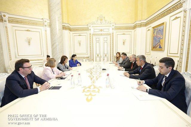 Никол Пашинян принял членов Конгресса США Джеки Спейер и Джуди Чу