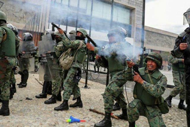 В Эквадоре почти 450 человек пострадали в ходе протестов