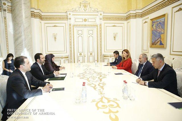 Премьер Армении встретился с послом Ирана