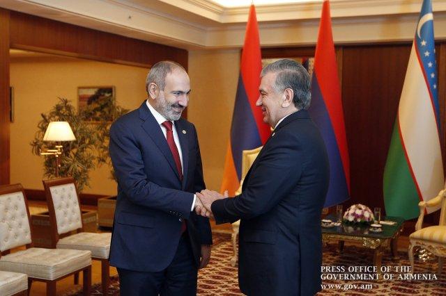 Премьер Армении и президент Узбекистана обсудили вопросы активизации экономических связей