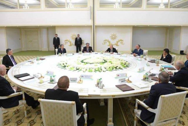 Путин пригласил страны СНГ, не входящие в ЕАЭС, на саммит в Петербург