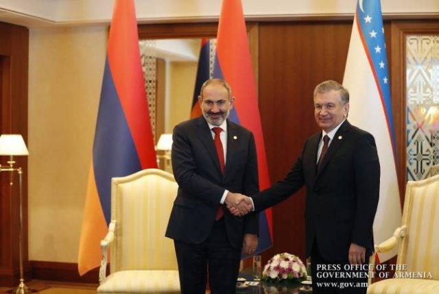 Пашинян пригласил президента Узбекистана посетить Армению с официальным визитом