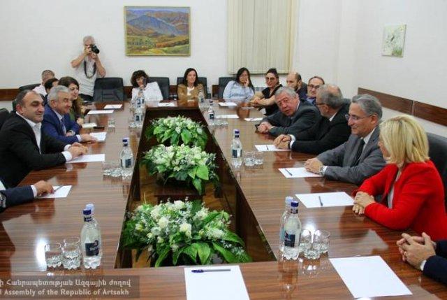 В Степанакерте будет построен Центр франкофонии