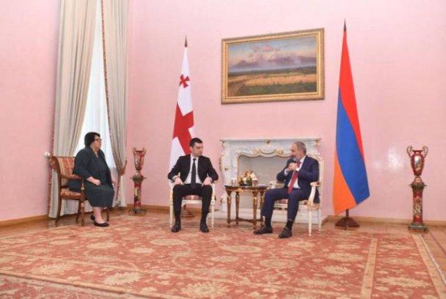 Премьер-министры Армении и Грузии уверены, что отношения будут развиваться