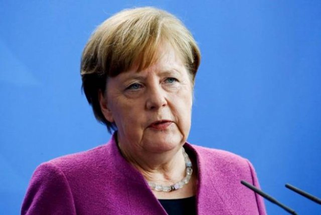 Меркель заявила о необходимости вернуться к переговорам по ситуации в Сирии