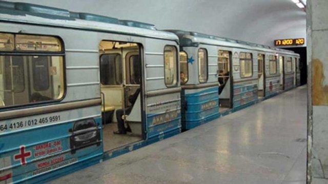 В Баку закрыли станции метро из-за митинга оппозиции