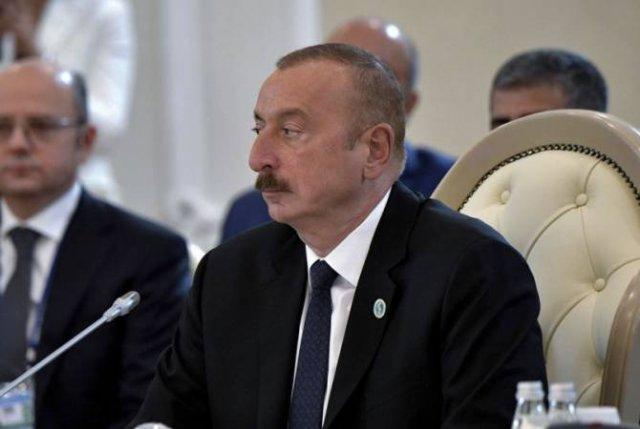 Президент Азербайджана уволил двух вице-премьеров