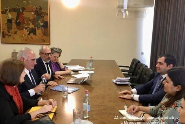 Сурен Папикян принял вице-мэра Лиона Жоржа Капенекяна