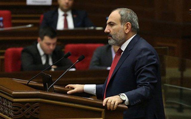 Никол Пашинян дал разъяснения депутатам касательно повышения зарплат министров