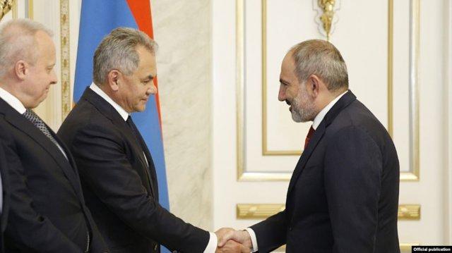 Пашинян выразил удовлетворение процессом военного, военно-технического сотрудничества с Россией