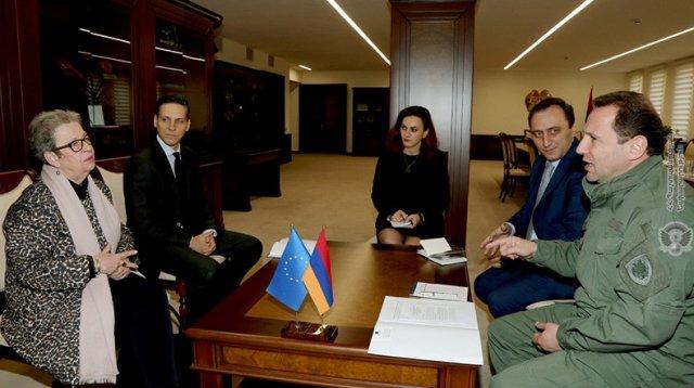 Давид Тоноян встретился с главой делегации ЕС в Армении