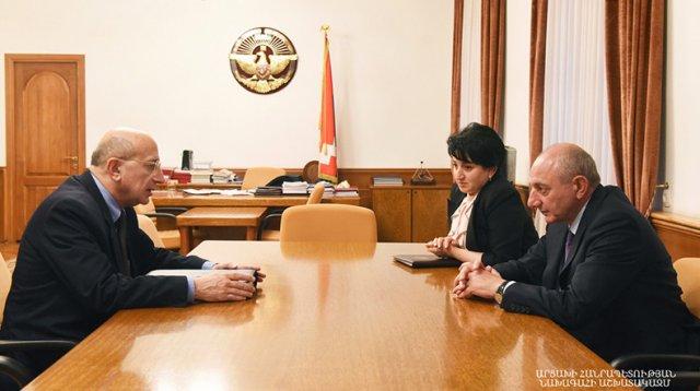 Президент Арцаха провел встречу с председателем Статистического комитета Армении