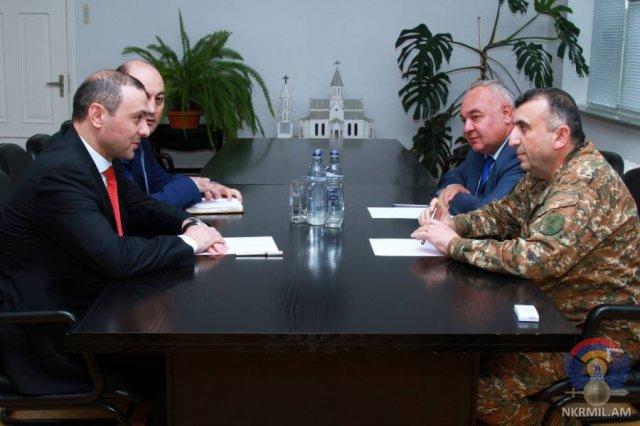 Глава Минобороны Арцаха и секретарь Совбеза Армении обсудили вопросы повышения безопасности двух армянских республик