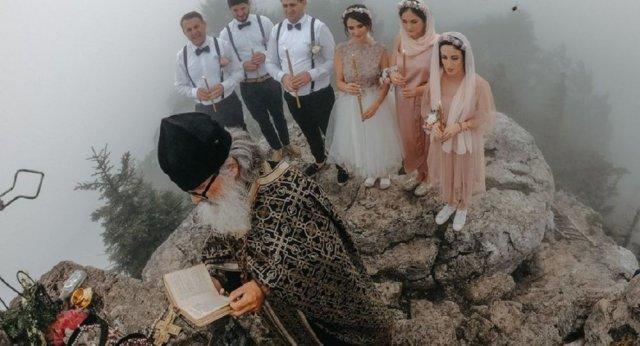 Поженились на высоте 1500 м над уровнем моря: свадебный экстрим в Грузии