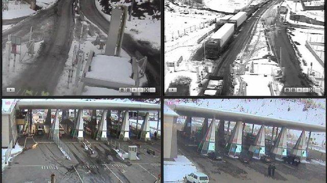 МЧС Армении: Автодорога Степанцминда-Ларс для грузовиков закрыта, на российской стороне застряли 250 машин
