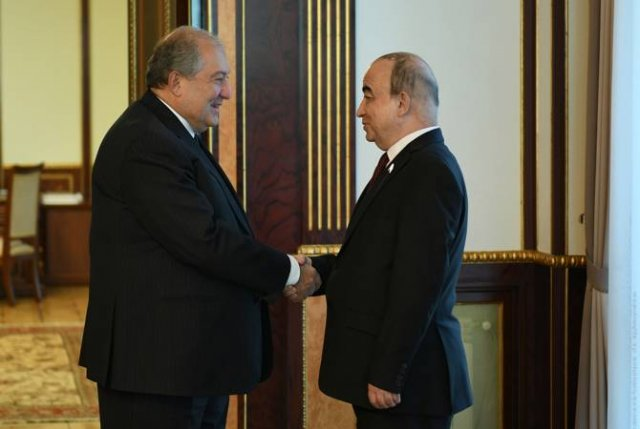 Армен Саркисян принял председателя парламента Таджикистана Шукурджона Зухурова