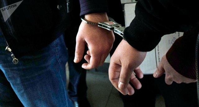 В Армении задержали 2 инспекторов Полиции: попались на взятке