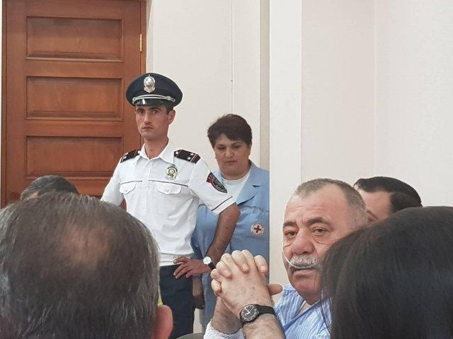 Суд вновь отказался выпустить на свободу Манвела Григоряна под залог