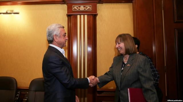 Серж Саргсян встретился с послом США в Армении Линн Трейси